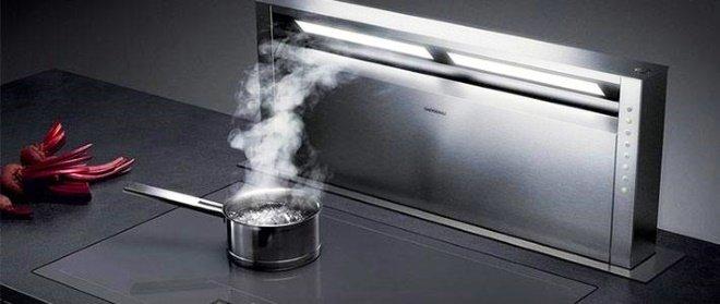 Выдвижная вытяжка, встроенная в кухонные шкафчик
